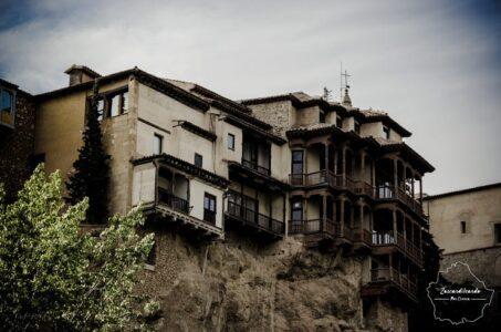 Vista lateral de las casas colgadas de Cuenca