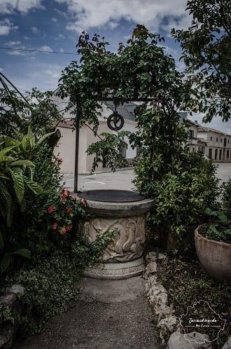 Pozo en la localidad de Almendros.