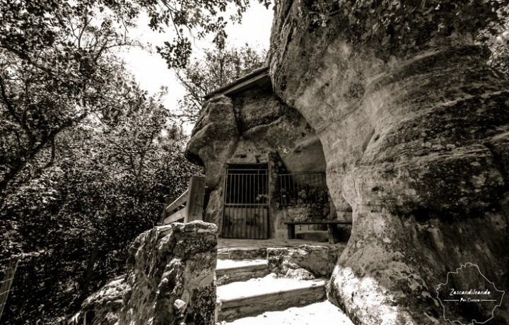 Ermita_Uña_Virgen_Espinar