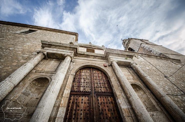 Fachada y torre de Nuestra Señora de la Asunción