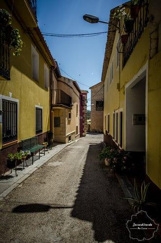 Calles de Caracenilla, en la Alcarria Conquense.