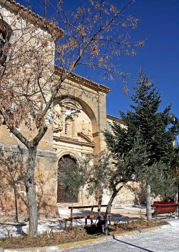 Fachada de la iglesia de Gascueña