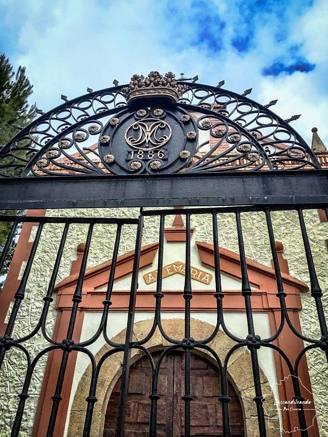 Fachada de la Ermita de la Envia, Canalejas del Arroyo