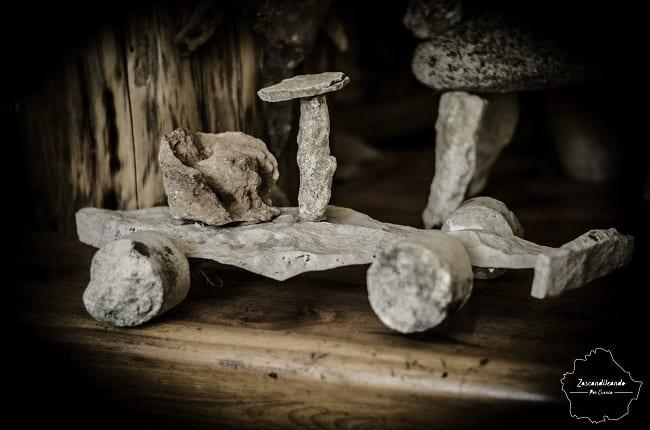 Artesanía con la piedra en el Museo-Mesón Las Pedrizas