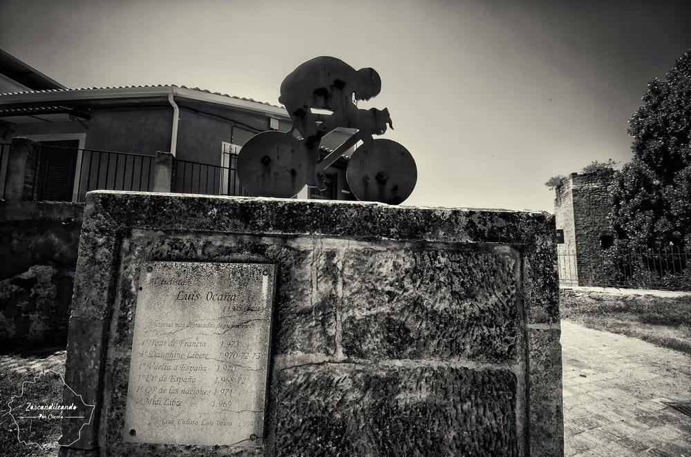 Monumento a Luis Ocaña en Priego (Cuenca)