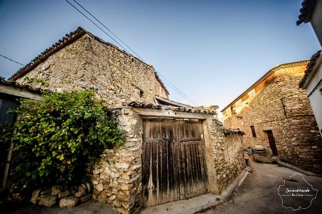 Aire serrano en las calles de Henarejos