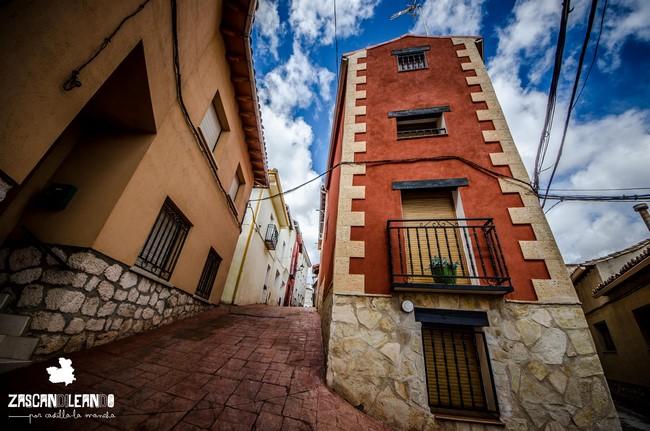 Peñalver está repleto de casas y calles con mucho colorido