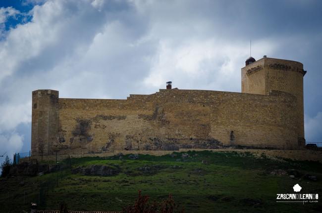 El castillo de Cañada del Hoyo es su principal monumento