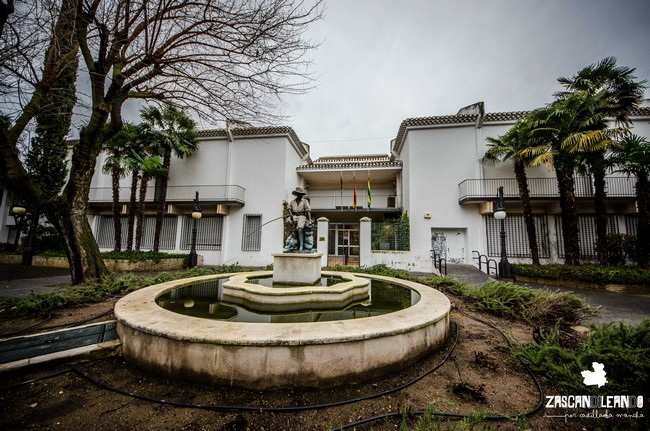 Existen unos agradables jardines cerca del museo Antonio López Torres, en Tomelloso