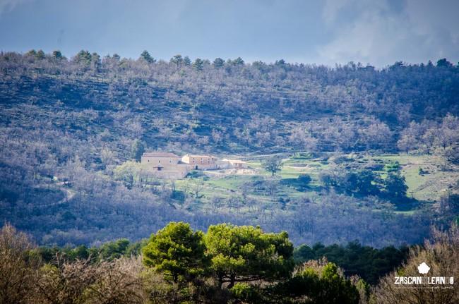 La ermita de Nuestra Señora de los Ángeles está a varios kilómetros de Cañada del Hoyo