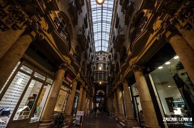 El pasaje Lodares es una galería comercial modernista de Albacete