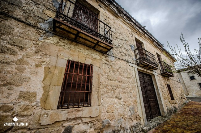 Huelves alberga una casa señorial que perteneció a los señores de Parada