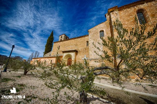 El templo más importante de Moratilla de los Meleros es su espectacular iglesia de la Asunción