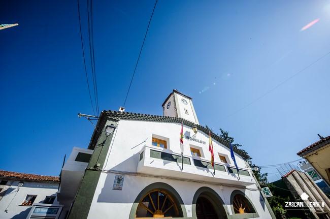 El ayuntamiento de Tragacete, en Cuenca, es una construcción muy vistosa
