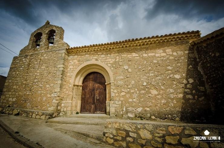 Fachada de la iglesia de la Asunción, en Villar del Saz de Arcas