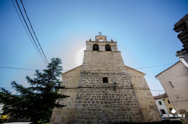 Espadaña de la iglesia de San Miguel, en Tragacete