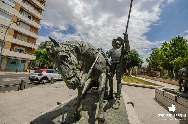 Existen numerosos monumentos en Ciudad Real dedicados a Don Quijote