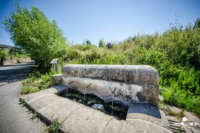 La fuente de La Toba, en Tragacete, posee tres caños