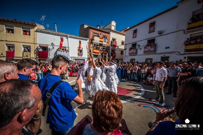Uno de los momentos más bonitos del Septenario es la danza de paloteo