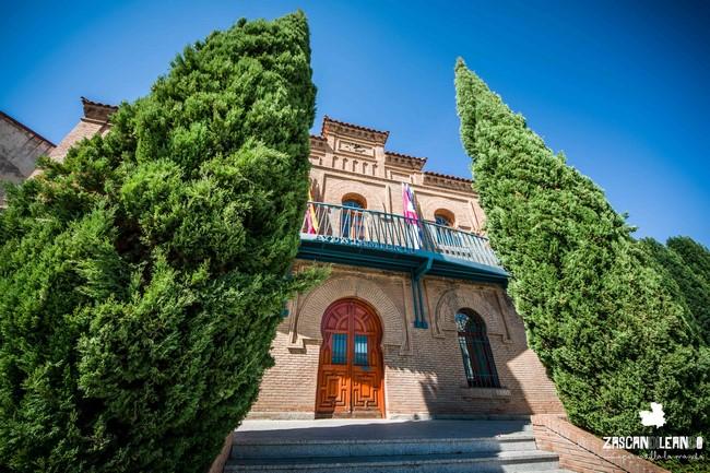 El ayuntamiento de Illescas posee en su fachada catorce arcos de medio punto