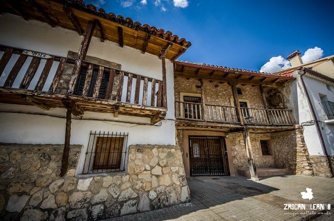 Las casas entramadas de madera son preciosas en el Alto Tajo