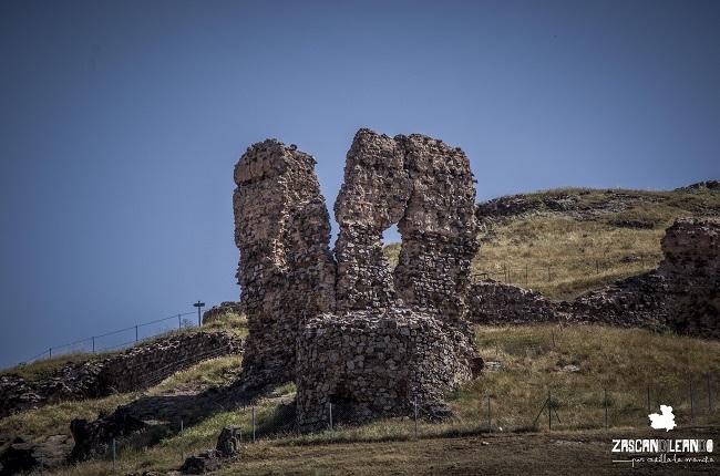 Además del castillo de Alcaraz existe otro cercano, el de Cortes
