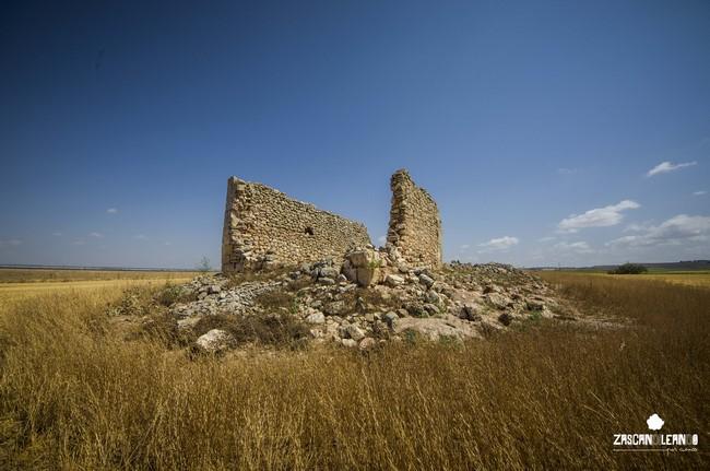 La ermita de San Bartolomé tiene algunos sillares de la ciudad romana cercana
