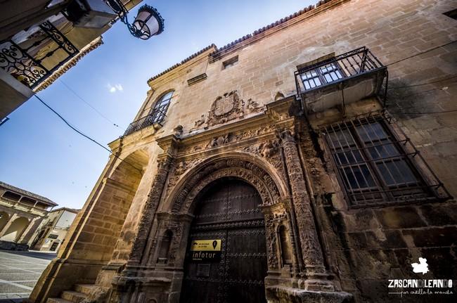 Andrés de Vandelvira fue el autor de la puerta del Alhorí, en Alcaraz