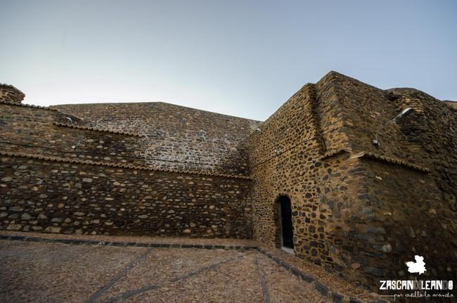 Se construyó sobre una antigua fortaleza de la Orden de Calatrava
