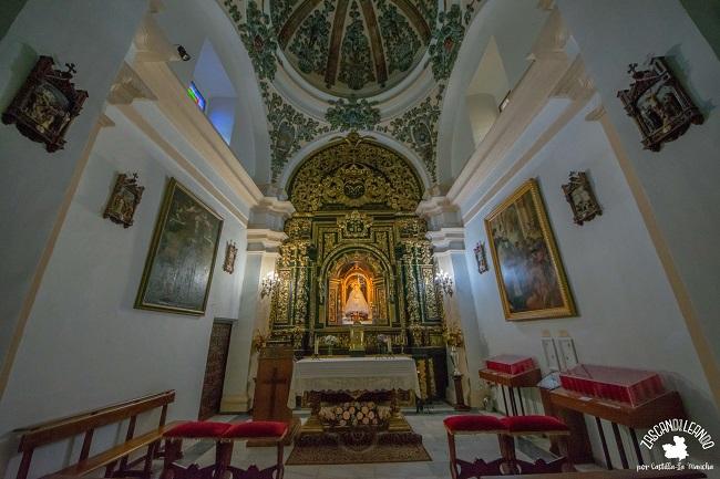 Se puede apreciar el camarín de la Virgen de la Antigua
