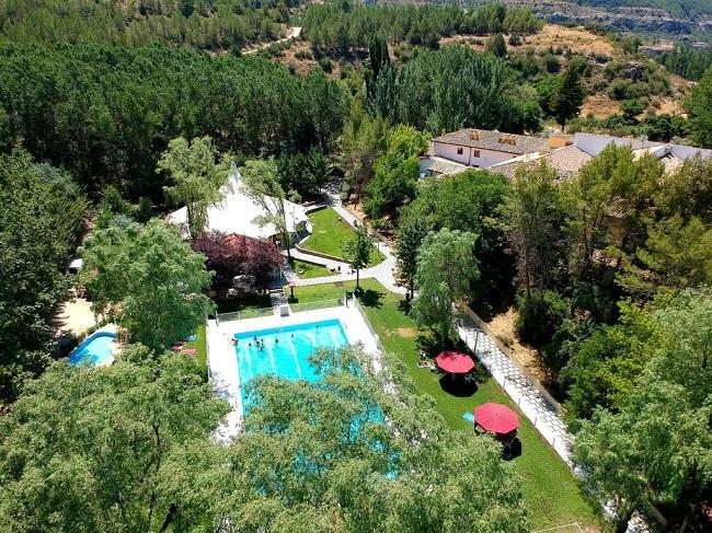 Hotel Resort Cueva del Fraile, en la carretera a Buenache de la Sierra