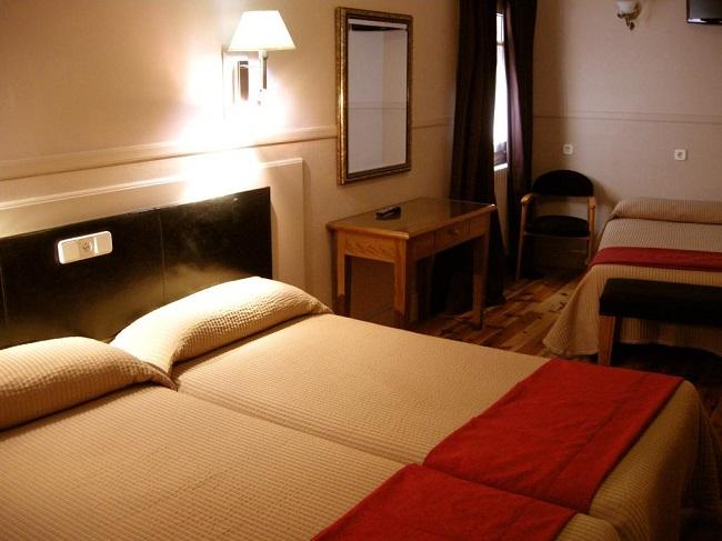 Hostal Cánovas, excelentemente comunicado en Cuenca