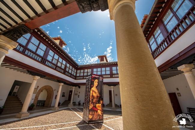 Este edificio civil es una de las paradas importantes en el Festival de Teatro Clásico de Almagro