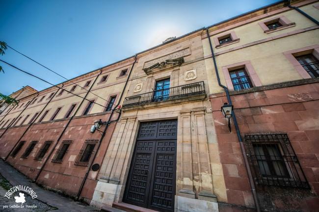 Es sede del Archivo Diocesano
