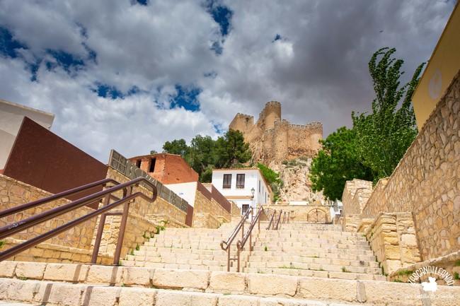 El castillo se levantó en el siglo IX, pero ha tenido multitud de reformas en su historia