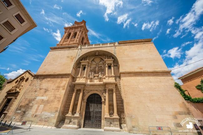 El mayor templo de Almansa posee nave única de estilo neoclásico
