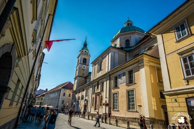 Es la iglesia más importante de Liubliana