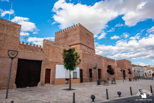 Actualmente el castillo tiene funciones de restaurante y hospedería