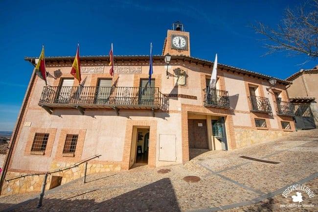 El ayuntamiento de Hita se encuentra en la calle Pósito