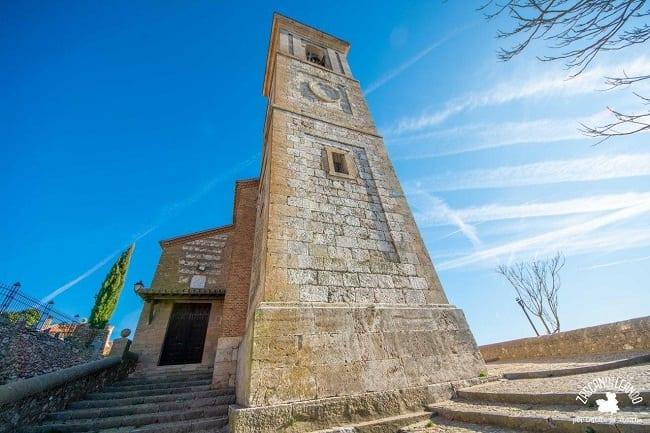 De estilo mudéjar, la iglesia de San Juan es el templo más importante de Hita
