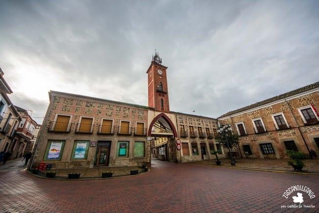La plaza del Navarro es el centro neurálgico de Oropesa