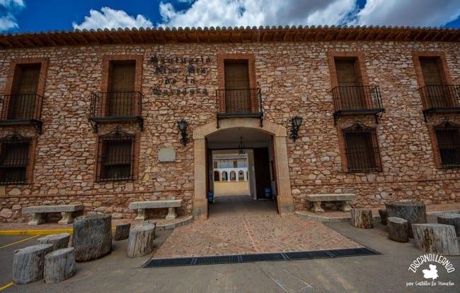 Este santuario es a su vez una plaza de toros, algo único en Ciudad Real