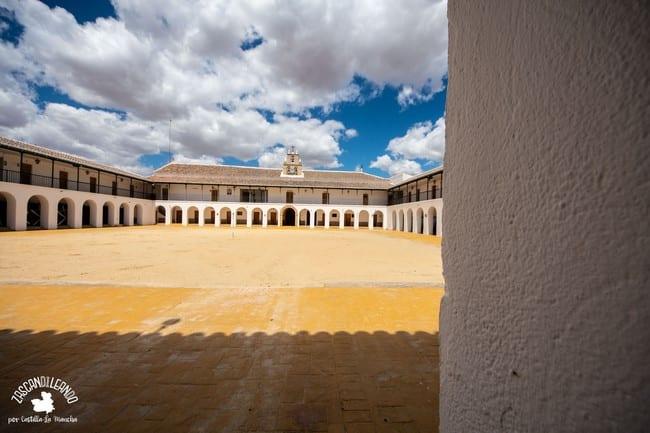 La ermita alberga la imagen de La Morenilla, de gran devoción en la comarca