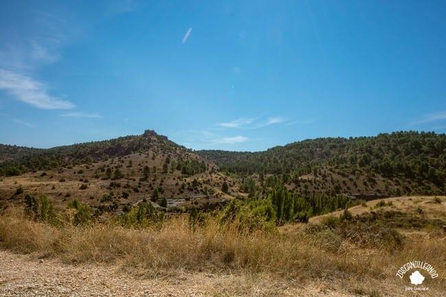 Existen varios senderos para caminar y ver los encantos naturales de Palomera