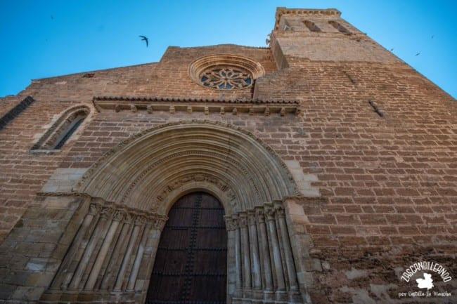 Se construyó en el siglo XIII en estilo románico, siendo una de las joyas de Cifuentes y toda Guadalajara