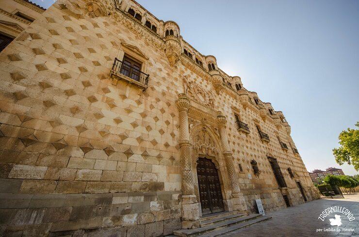 Fachada del palacio del Infantado en Guadalajara